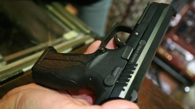 Гражданин Новосибирска устроил стрельбу вбаре иранил троих человек