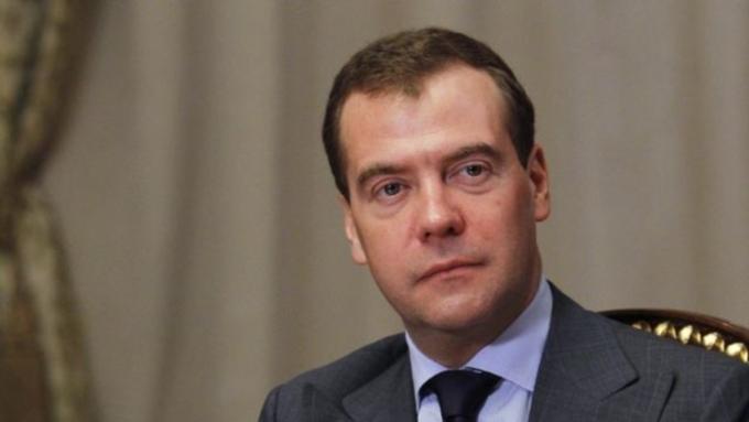 Медведев поведал опереносе индексации пенсий