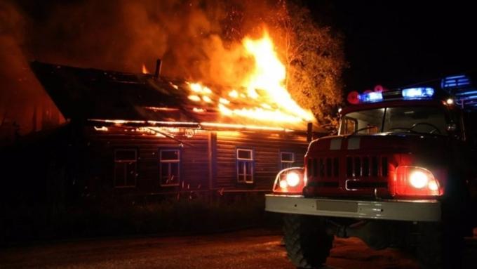 7 человек погибли впожаре вКалужской области