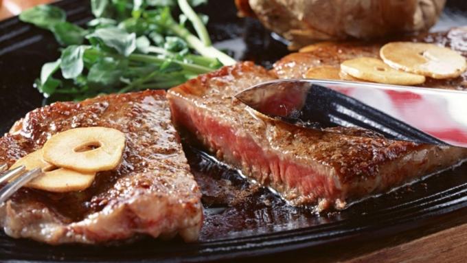 Ученые узнали, как жирная пища разрушает организм