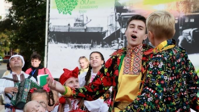 Работникам культуры вАлтайском крае в последующем году обещали поднять заработной платы