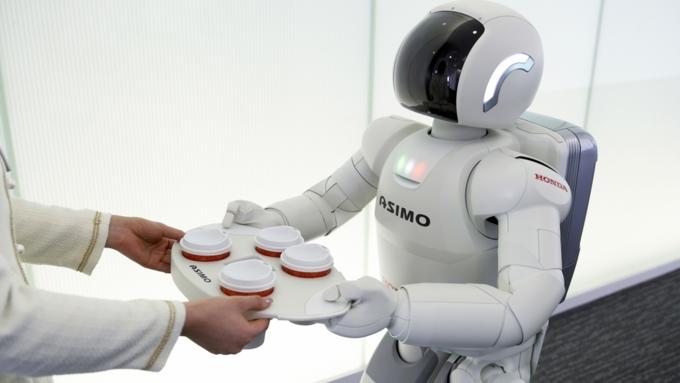 Большинство работающих граждан России несчитают роботов угрозой собственной занятости