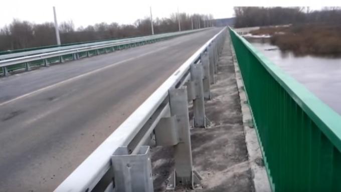 Губернатор Брянской области Александр Богомаз открыл вЖуковке отремонтированный мост
