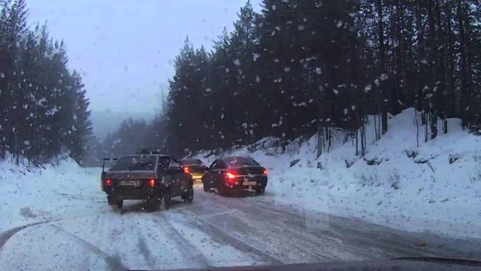 Натрассе М1 вСмоленской области массовое ДТП: столкнулись 12 машин