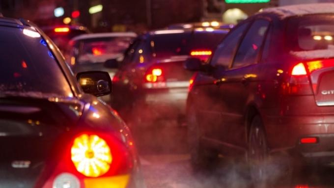 ВБарнауле многокилометровые пробки сковали движение транспорта