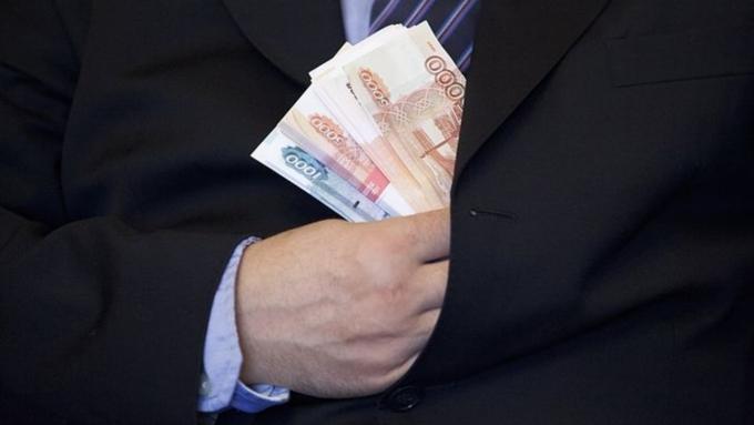 Алтайского экс-депутата судят заприсвоение денежных средств работников