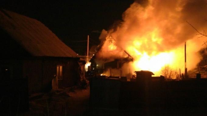 ВБарнауле наулице Фурманова всгоревшем доме отыскали два трупа