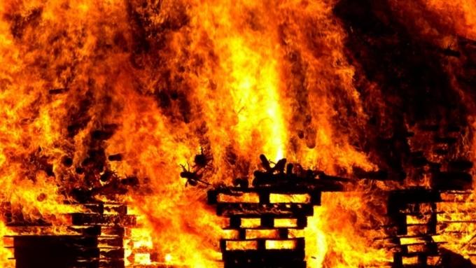 ВБарнауле вовремя пожара погибли люди