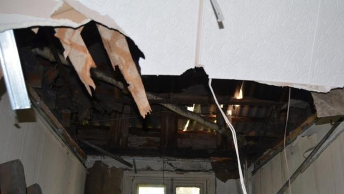 ВАлтайском крае пенсионер умер дома из-за обрушившегося потолка