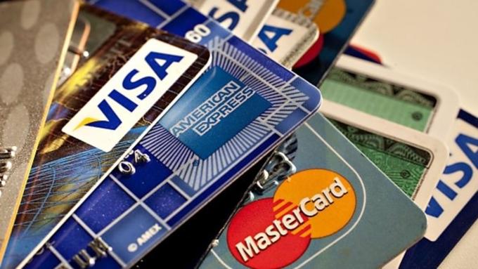 В 2017 жители России стали охотнее заводить кредитные карты