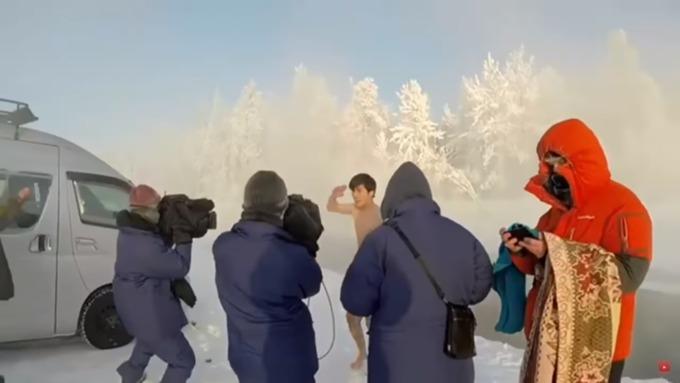 ВЯкутии японец искупался вреке при температуре в