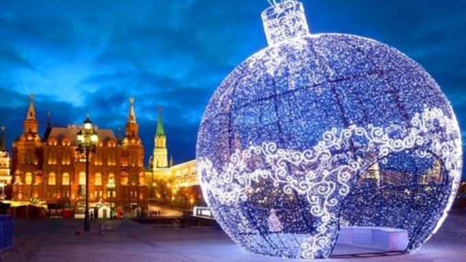 Москва оставит часть новогодних декораций, однако все равно сэкономит энергию