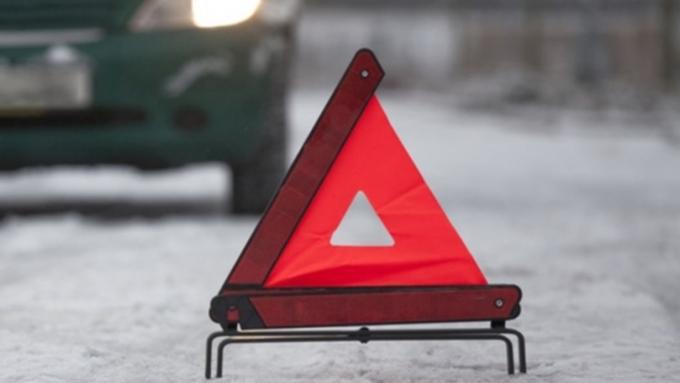 Шофёр ВАЗа сбил 2-х пешеходов иуехал сместа ДТП вБарнауле
