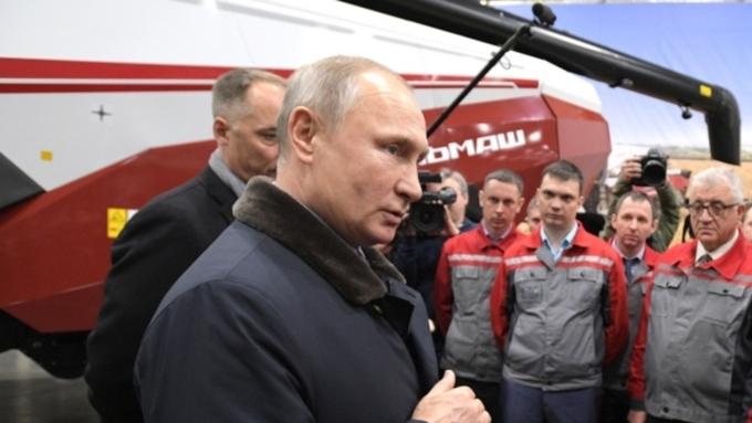 ЦИК зарегистрировал В.Путина вкачестве кандидата впрезиденты