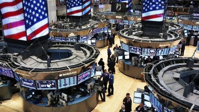 Из-за обвала фондовых рынков самые богатые люди мира потеряли 114 млрд. долларов