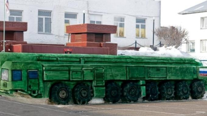Омские заключенные за15 дней слепили «Тополь-М»