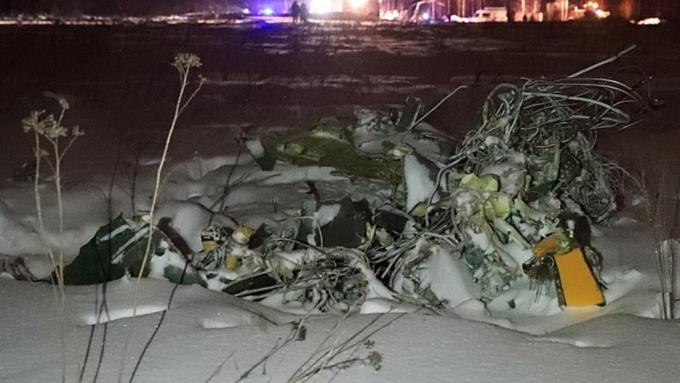 Руководитель МЧС сказал новые детали поисковой операции наместе крушения Ан-148
