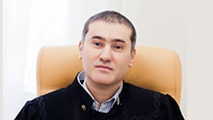 Краснодарский судья обматерил участника процесса вовремя совещания