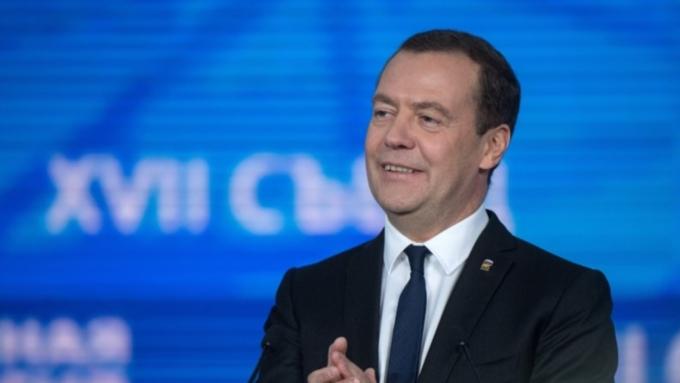 Медведев: налоговая системаРФ нуждается внастройке