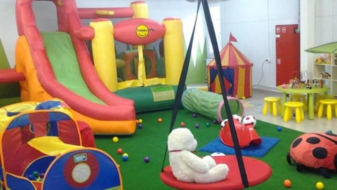 Минстрой поручил проверить расположение детских комнат вТЦ