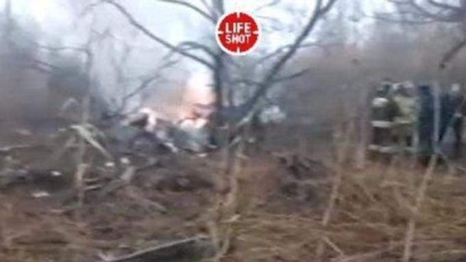 Шесть человек погибли при крушении вертолета вРоссии