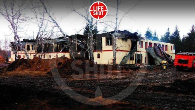 Пустующий детский лагерь зажегся вНовосибирской области