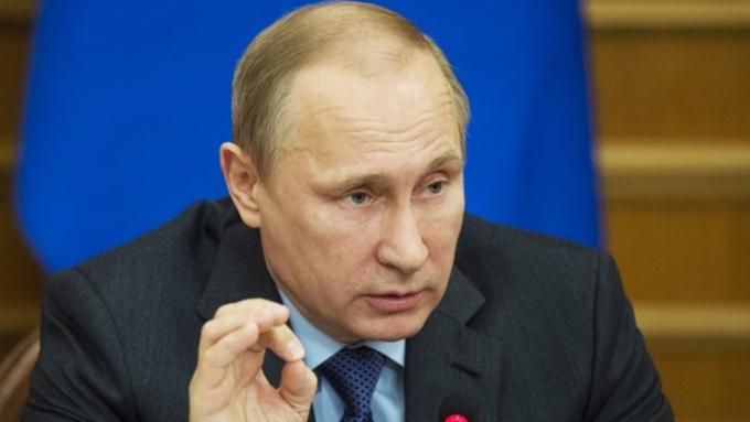 Путин благодарен, что жители России с осмыслением отнеслись кответным мерам противЕС
