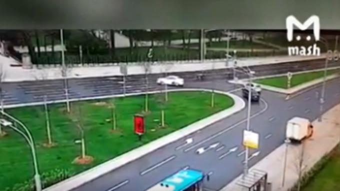 Вцентре Москвы сбили полицейских мотоциклистов