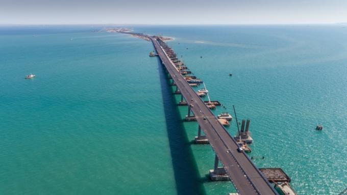 Киевский корреспондент : Российская Федерация  построила Крымский мост для Украины