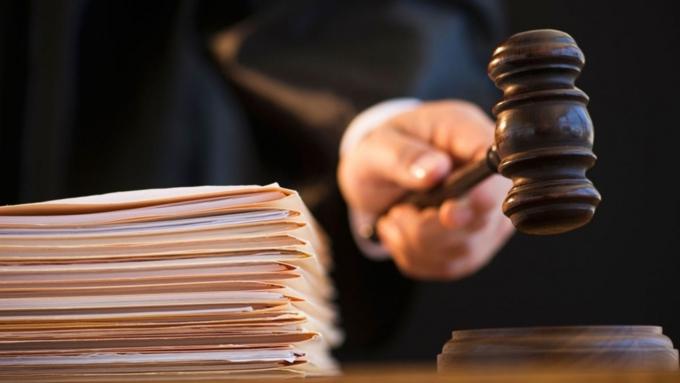 Директора отдела  паспортно-визового сервиса наАлтае обвиняют вмошенничестве