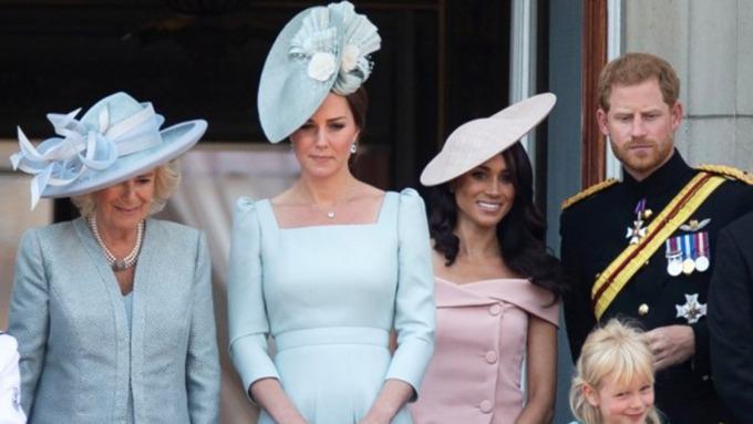 Картинки по запросу Супруга принца Гарри нарушила королевский дресс-код