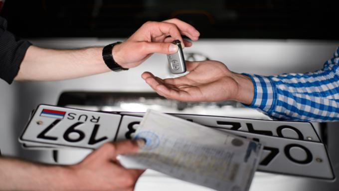 ВластиРФ планируют поменять правила регистрации авто