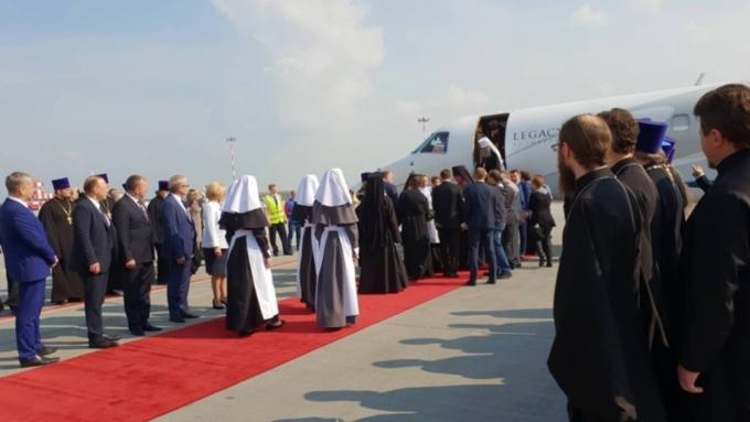 В РПЦ объяснили полет патриарха на частном самолете