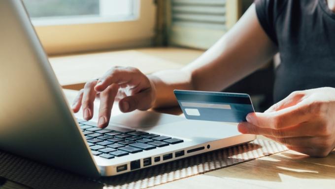 «Ромир»: новые пошлины наинтернет-покупки готовы платить 9% граждан России