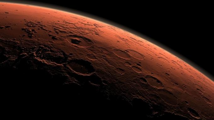 Ученые обнаружили на Марсе озеро с водой