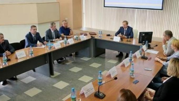 Виктор Томенко предложил отправить Александра Карлина в Совет Федерации