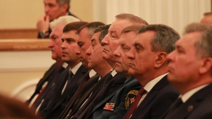 Прошлый  губернатор Алтайского края Александр Карлин назначен сенатором