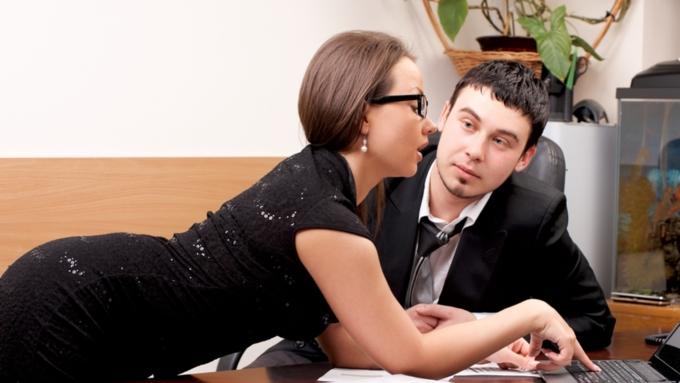 Ученые узнали, как именно работа разрушает брак