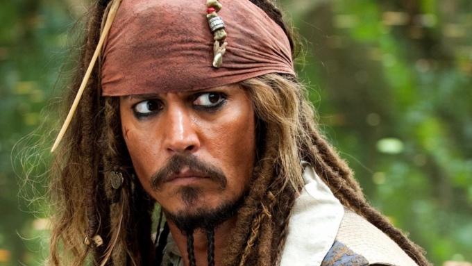 Джонни Деппа задумали заменить дамой  в«Пиратах Карибского моря»