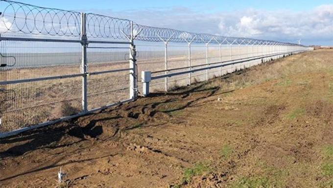 Завидуй, Порошенко: Российская Федерация  скорее  Украины построила стену награнице