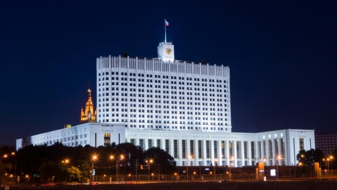 Неменее  половины граждан России  выступают заотставку руководства