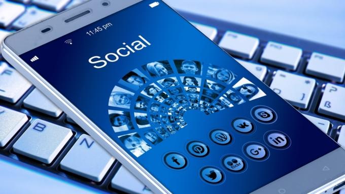 CNBC: социальная сеть Facebook следит запотенциально небезопасными пользователями