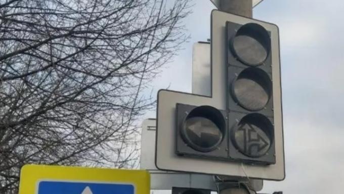 Светофоры отключат на участке Змеиногорского тракта в Барнауле 27 февраля