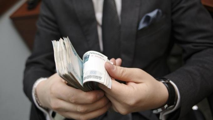 Минимальная величина среднемесячной зарплаты чиновников наблюдалась в Ингушетии