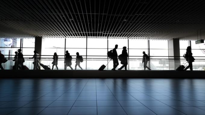 За аналогичный период прошлого года запрет на выезд из страны накладывался в полтора раза реже