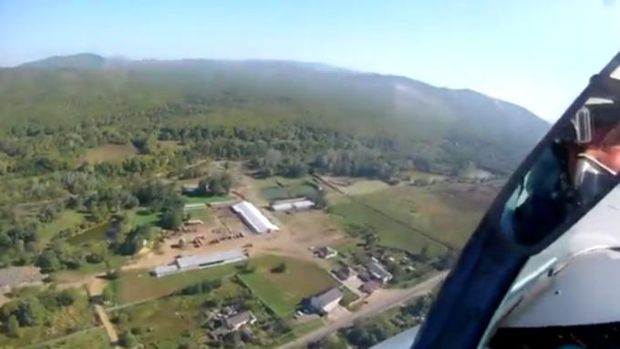 Летчики отработали элементы сложного пилотажа / Фото: кадр из видео