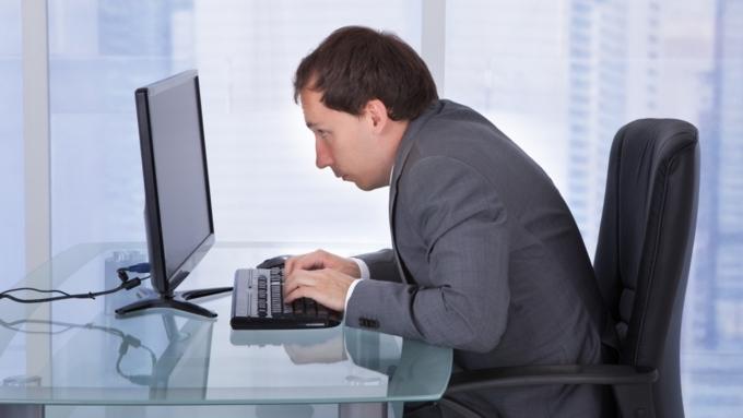 Работникам больших банков в РФ запретили фотографировать экраны компьютеров