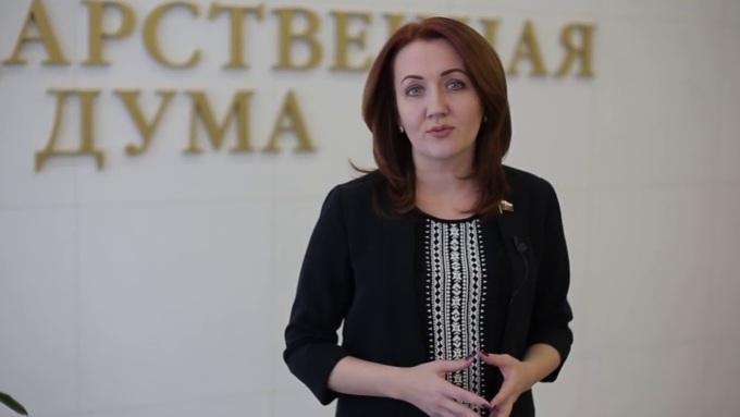 Проект алтайского депутата Кувшиновой одобрен в Минпросвещения / Фото: Youtube.com