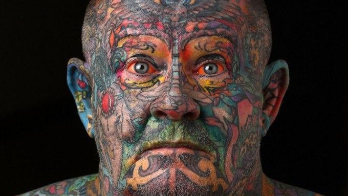 Люди с татуировками более импульсивные, выяснили ученые