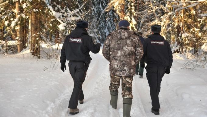 Полицейские патрулируют лесные территории / Фото: yarnews.net